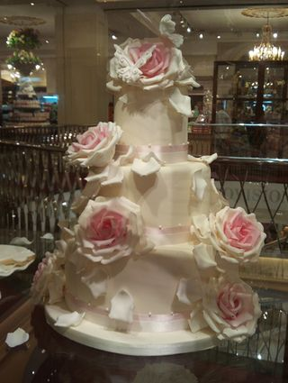 F&M Wedding cake 20100719