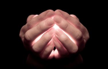 Händer som håller personal-energy turningpointsse